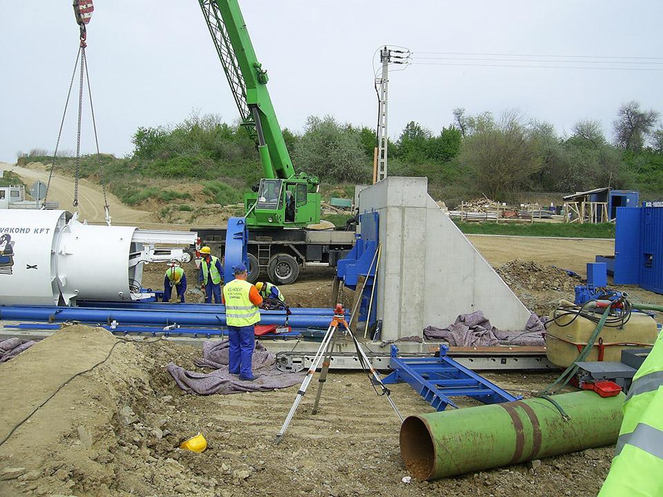 Mikrotunneling, Aknaépítés